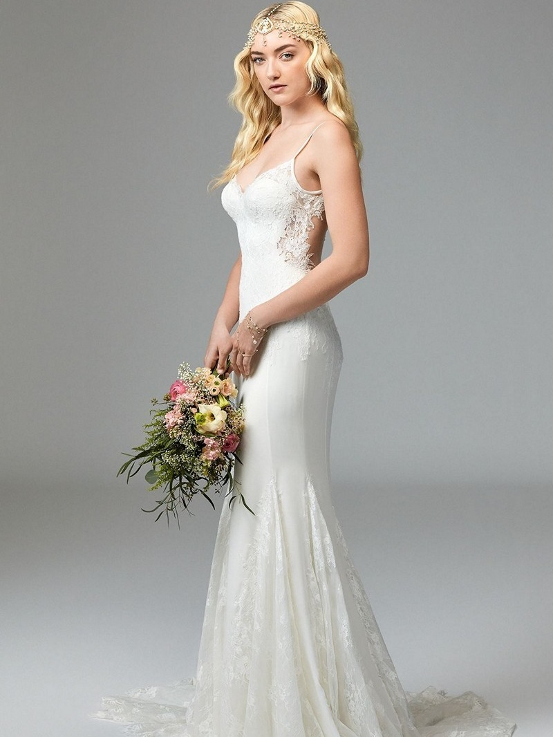 Willowy 57401 Ivory // Retail Price $1755 | Our Price $1228